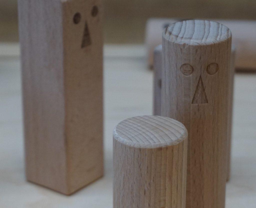 Holzfiguren aus der Praxis für Homöopathie von Heilpraktiker Bernhard Jochem
